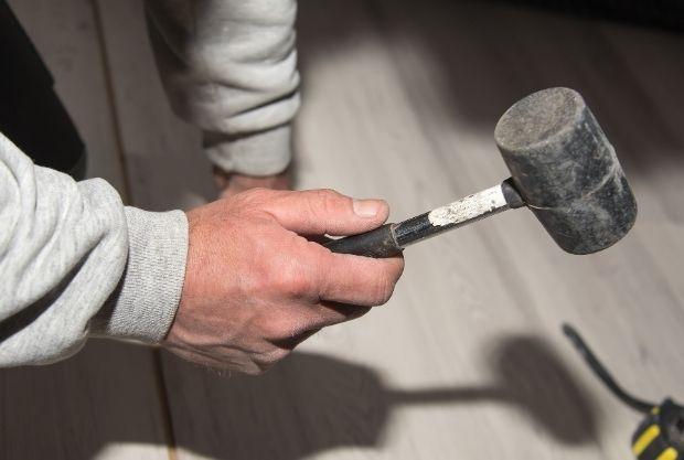 installing laminate flooring on plywood